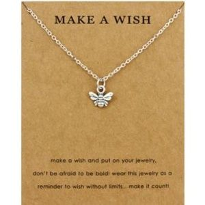 Dainty Silver Bee Pendant Necklace new